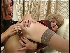 Christie&Jaclyn mature in lesbian action