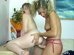 Leonora&Nora lesbian mom on video